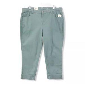Style & Co. NWT NEW Jean Capri's Cropped Cuffed